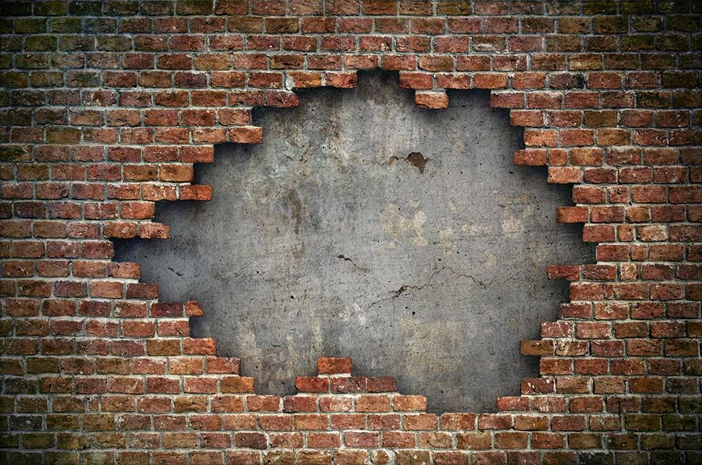 Brick_wall-crumbling